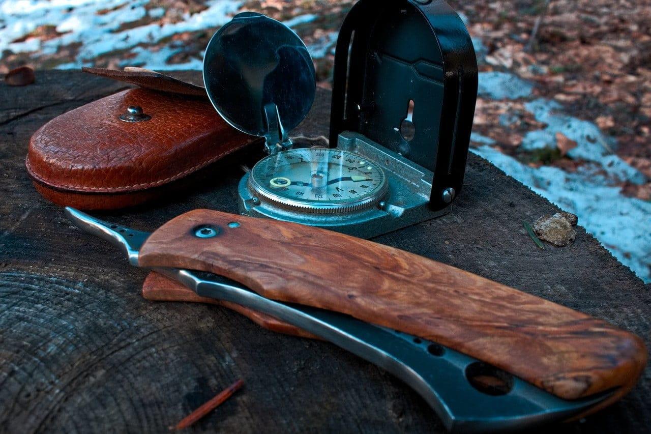 bushcraft mes + kompas