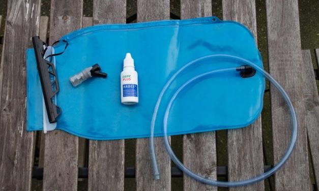 Waterzak schoonmaken en opbergen voor gebruik
