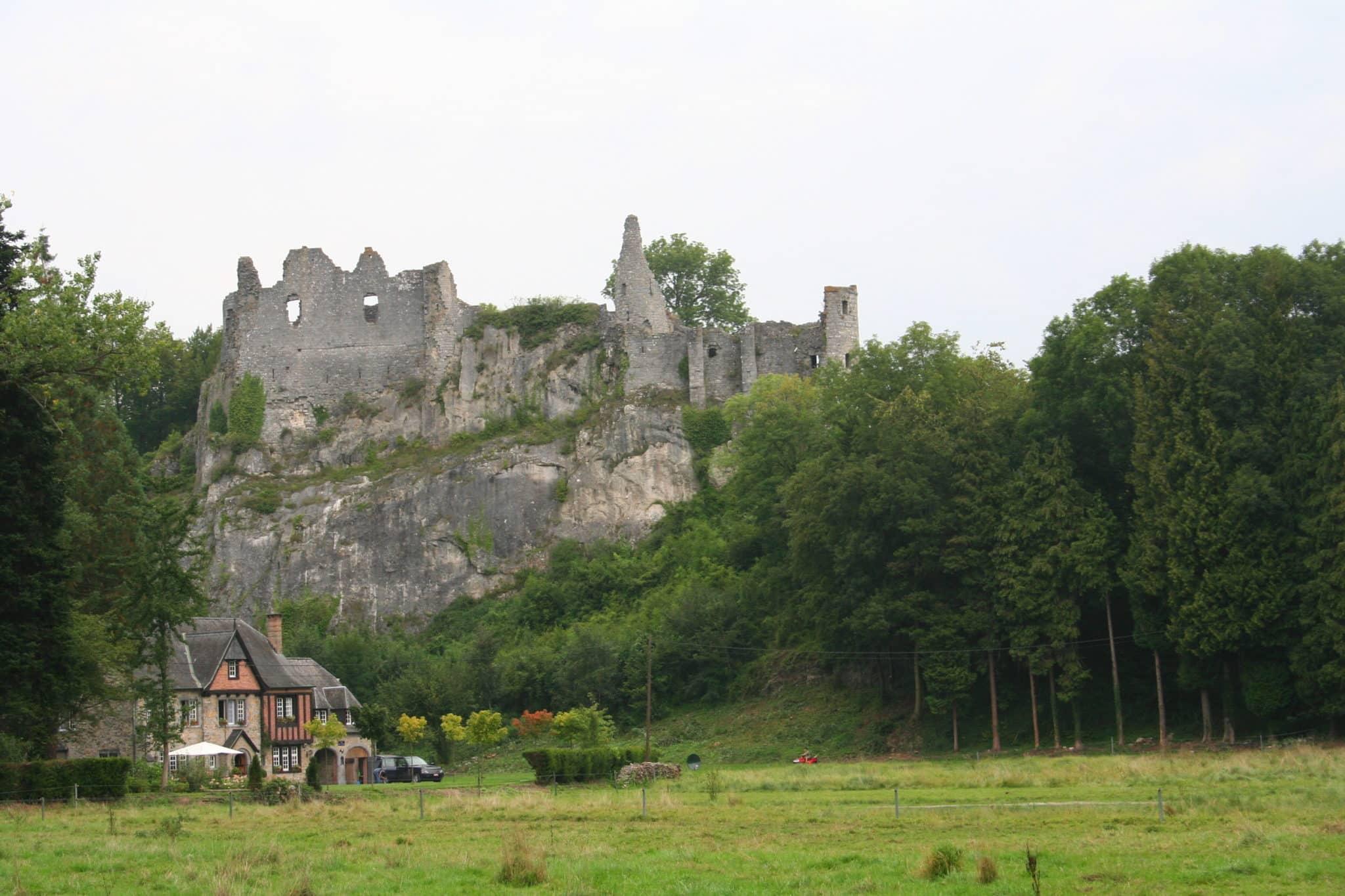 Chateau deMontaigle Falaen